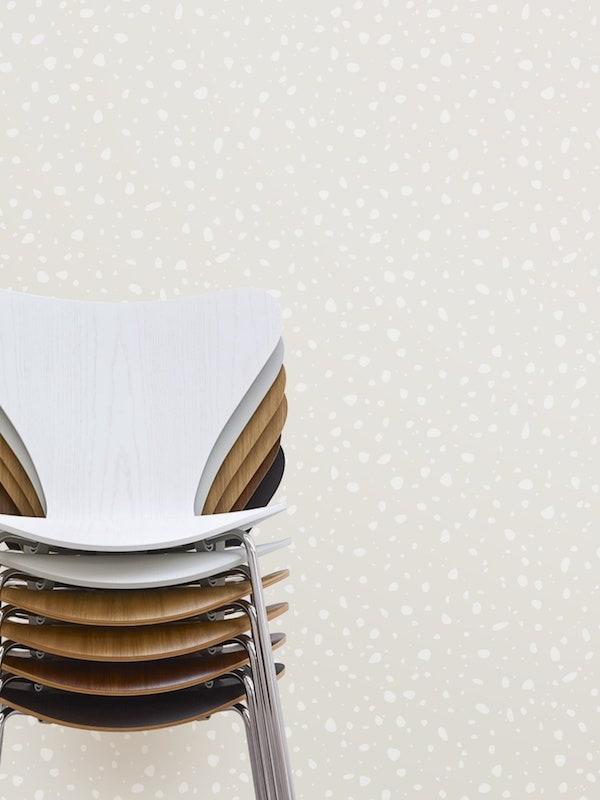 Fritz Hansen Serie 7 Stühle gestapelt