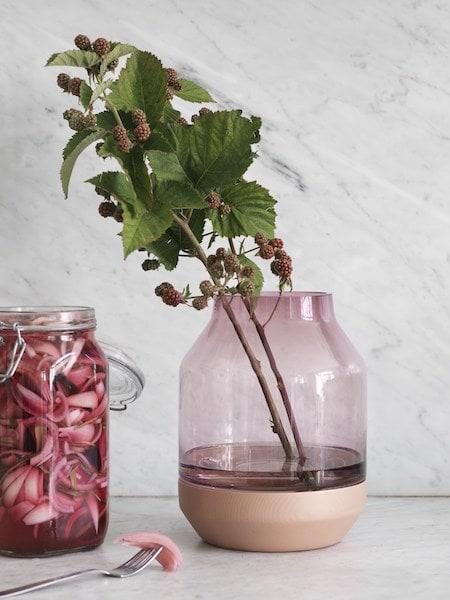 Elevated Vase Muuto
