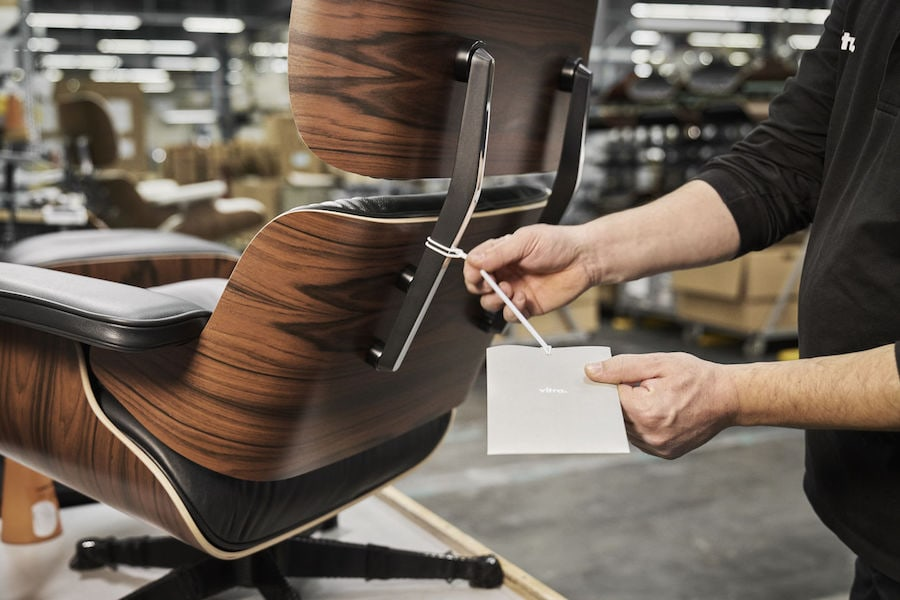 Eames Lounge Chair Fertigung