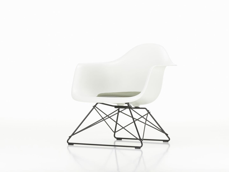Vitra LAR Eames Plastic Chair
