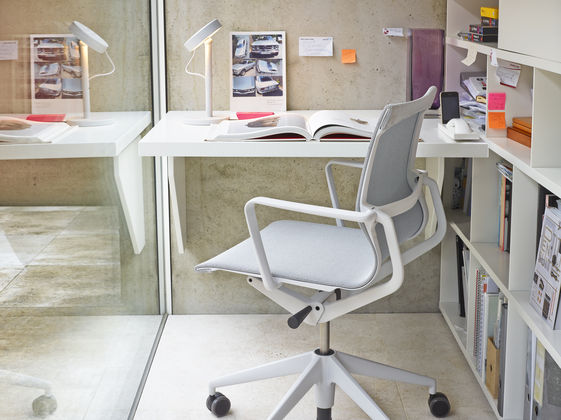 Physix office swivel chair vitra
