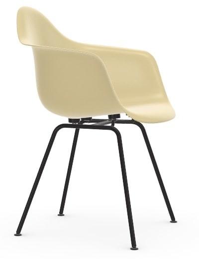Vitra Eames Fiberglass Chair DAX