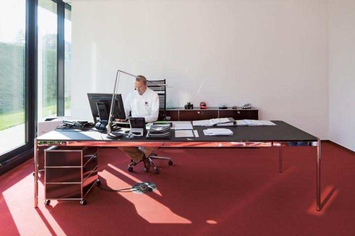 usm haller schreibtisch pro office shop. Black Bedroom Furniture Sets. Home Design Ideas